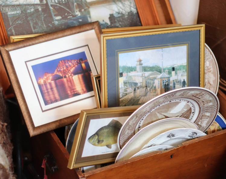 There is always a good selection of pictures and prints at Sea Kist. Most have a nautical theme – ships or sea scenes. Similarly there is always a variety of chinaware from teasets to individual plates. All reasonably priced.